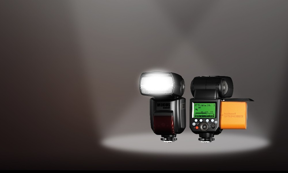 MODUS 600RT Speedlight Scoops 8 Awards!